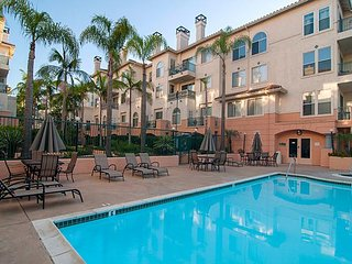 3BR, 2BA Centrally Located Mission Valley Condo With Pool, Hot Tub, Gym