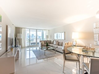 The Grand 2055 | 3bed/2bath | Free Valet Parking, Miami
