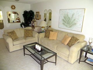 Beautiful 2 BR / 2 BA condo in Wildewood Springs #1050, Bradenton