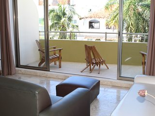 Ocean Plaza condo 2BR Down Town by KVR