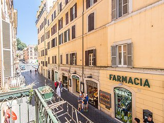 4 bedroom Apartment in Rome Historical City Center, Lazio, Italy : ref 2008800