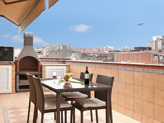 -Sagrada Familia Penthouse + private terrace!, Barcelona