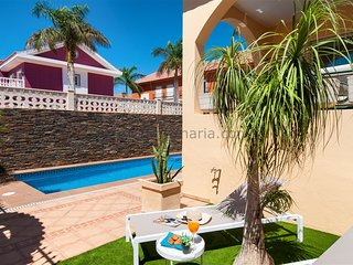 Cozy Villa with Private Pool in Sonnenland SG08, Maspalomas