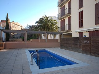 LOVELY POOL APARTMENT with PARKING, Tossa de Mar