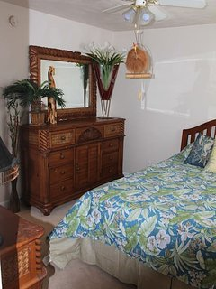Upstairs Bedroom 2nd floor the palm room
