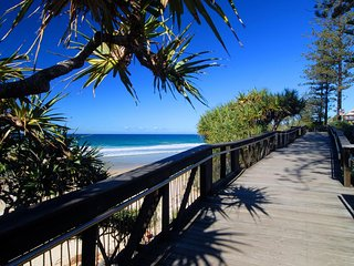 Coolum Beach Seaside
