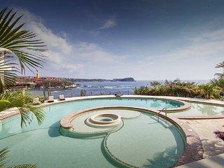 Premium Oceanfront in Punta Arrocito, Huatulco, Crucecita