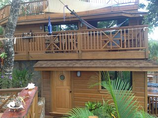 TURTLE BEACH BRAND NEW 2 Bedroom Beachfront Seascape Villa - Amazing, Full Kitch, West Bay
