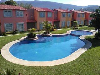 Casa con alberca compartida para vacacionar, Emiliano Zapata