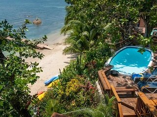 The Jellyfish Studio Villa has awesome Ocean Views, Roatán