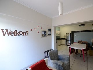 Self-catering Ground Floor Beach Flat, Summerstrand
