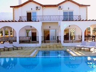 KB436 Alsancak, Girne, Kıbrıs'ta 4 yatak oda Villa, Deftera