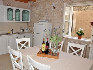 Villa Mama 1 (apartment 4+2), Omis