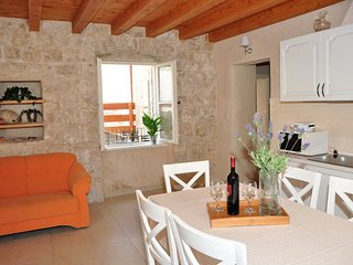 Villa Mama 2 (apartment 4+2), Omis