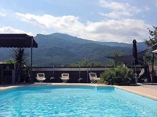 French villa rental near the beach with pool, Laroque des Alberes