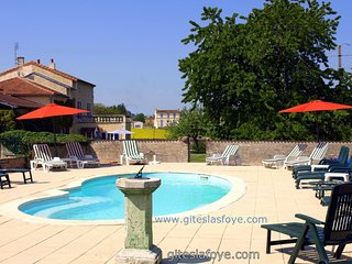 L'Ecurie at Le Manoir de La Foye has 3 Bedrooms, Aulnay