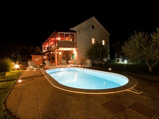VILLA FOR RELAXING HLIDAYS, Benkovac