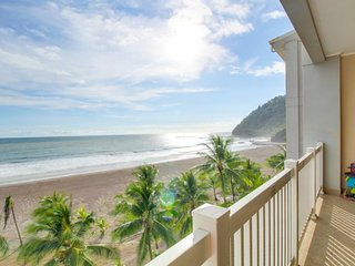 Oceanfront condo with beach & shared pool access, and amazing ocean views!