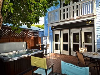 Kate's Krawl - Cute Old Town Home w/ Private Hot Tub. Just Steps To Duval, Key West