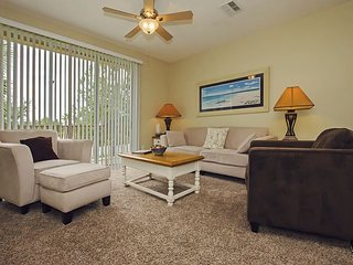 Vista Cay Luxury Townhouse 3 bed/3.5 bath (#3105)