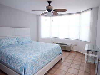 #4 Beachfront Penthouse: 3BR, 2BA - Montones Beach, Isabela