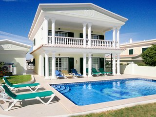 Casa do Teixo, 5 bedrooms, Private pool, Wi-Fi, A/C, close to Lagos Marina