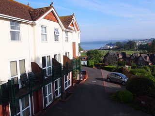 5 Braeside Mews - a few minutes walk to the beach!, Paignton