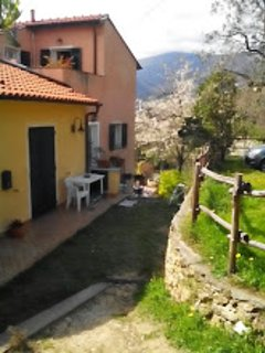 Finale Ligure (Rialto) paradiso (climber-biker) Ciliegi e Lilla