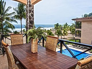 Semana Santa Special - Stunning Penthouse w/ Balcony, Ocean Views, Roof Deck!, Jaco