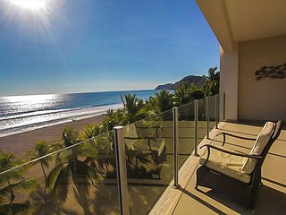 Semana Santa Specials! Wrap Around Balcony, Panoramic Views & Beach Access