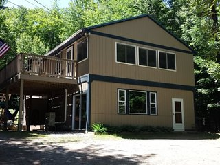 4 Bedroom Eidelweiss Vacation Home - Across the street from the beach, Madison