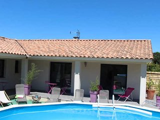 Montpellier villas in Southern France with pool sleeps 8-10, Aniane