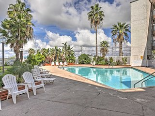 NEW! Beachfront 1BR Corpus Christi Condo w/Balcony