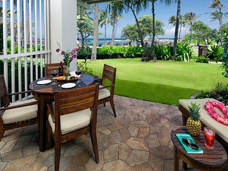 Villa 102 Beach Level Studio (or 4 Bed with Adjoining 3 Bed) Direct Ocean Views, Kahuku