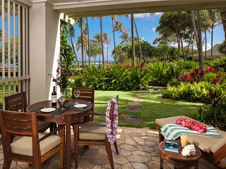 Villa 105 Beach Level Studio (or 4 Bed with Adjoining 3 Bed) Direct Ocean Views, Kahuku