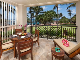 Villa 202 Second Floor Studio (or 4 Bed with Adjoining 3 Bed) Direct Ocean Views, Kahuku