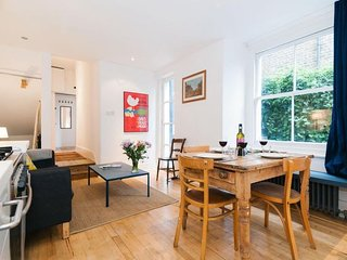 Pember Road Maisonnette apartment in Brent {#has_…, Londen