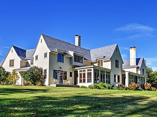 Magnificent 4BR South Hero House on Lake Champlain