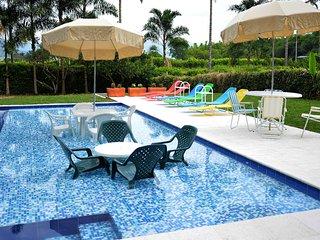 piscina con playita