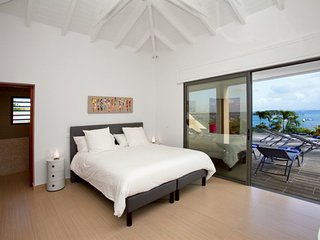 Villa Lobster 4 bedrooms has an amazing view in first ligne on Pinel Island, Cul de Sac