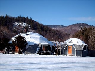 Amazing Dome House-Hot Tub-WiFi-Near Sunday River, Bethel
