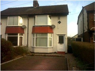 2 bedroom house with parking and large garden, Chester