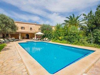 7 bedroom Villa in Buger, Mallorca, Mallorca : ref 4114, Búger