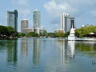 Sea View Monarch Apt within 5* Cinnamon Grand Hotel Complex, Colombo City Centre