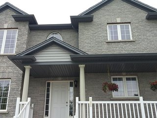 A 3Bedroom Unit with 1.5 Bath, Kitchen Family Room, Chutes du Niagara