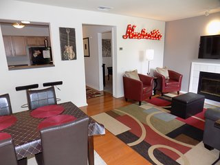 New Listing/In the Heart of Downtown Nashville/Walk to all Venues/LOCATION