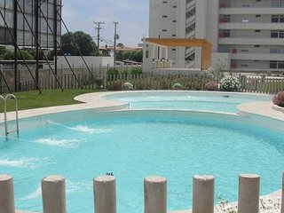 piscina para adultos y niños
