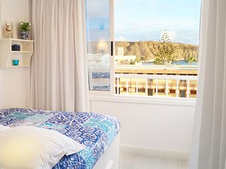 Centric Los Cristianos Apartment with a Seaview