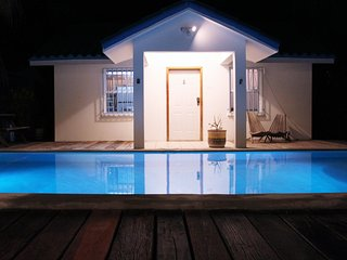 Azul Maya Villa Medio... pool and steps from beach, San Pedro