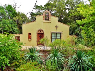 The Mission - An Artfully-Crafted Home in Kerrvile's Most Eclectic Neighborhood, Kerrville
